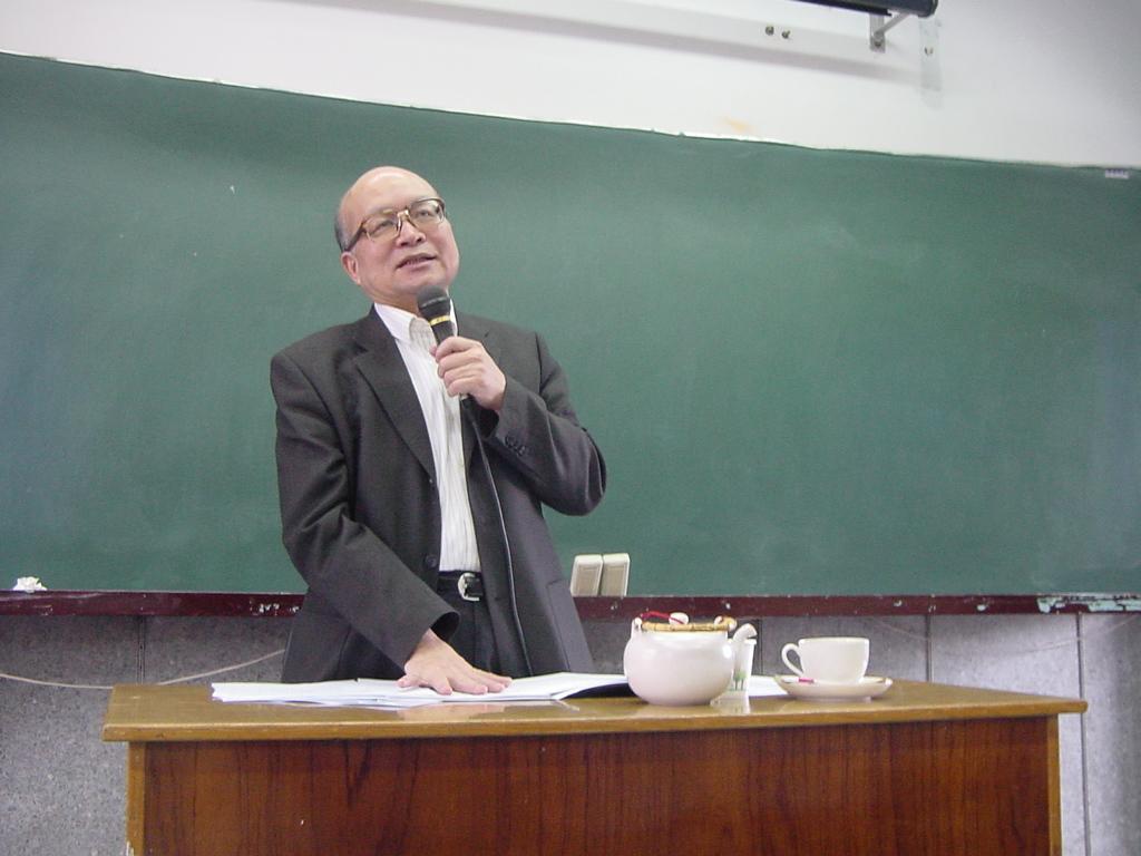 1_200905天主教學術講學-3