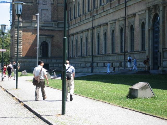200672沈老師到維也納開會特地安排半天到慕尼黑探視我(我們一起逛慕尼黑傳統、近代與當代美術館)1